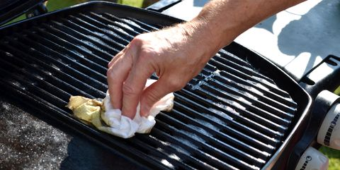 How to clean grill with upright vacuum